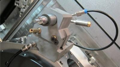 NAKANISHI气动主轴可用于数控机床进行钻孔铣削加工