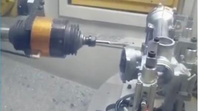 压铸铁2mm毛刺量,使用RBZ浮动主轴搭配机器人轻松去毛刺