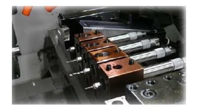 日本中西主轴EM20-S6000安装在排刀机上进行钻孔加工