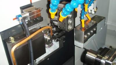 津上走心机BO205搭配NAKANISHI高频铣加工医疗器械精密零部件