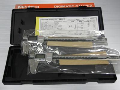 三丰防冷却液数显卡尺500-753-20