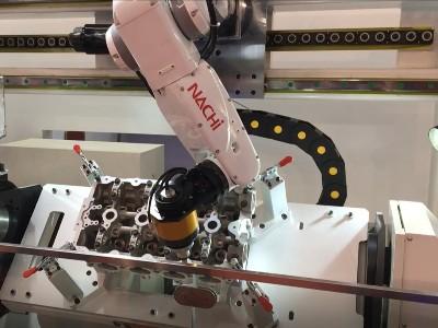 NAKANISHI 自动换刀主轴自动化去除汽车钢件毛刺