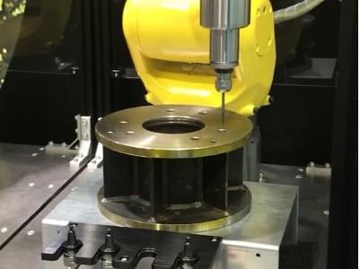 E4000自动换刀主轴NR4040-AQC搭配机器人给钢件去毛刺
